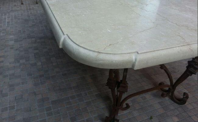 tavolo-su-supporto-forgiato-angolo