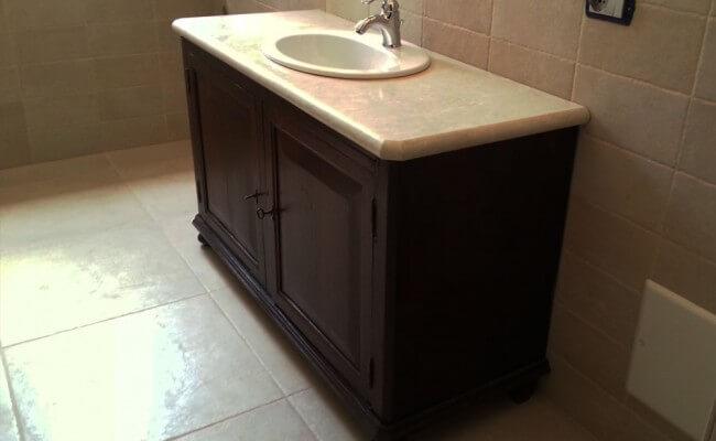 top-bagno-mobile-antico-lato